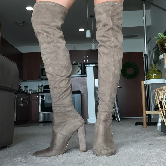 21caeb2412c Steve Madden Brown Thigh High Boots. M 5b5105751299555bb9e2c2e9